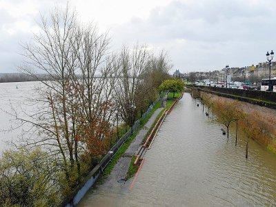 La Garonne en crue à Bordeaux, le 13 décembre 2019    NICOLAS TUCAT [AFP]