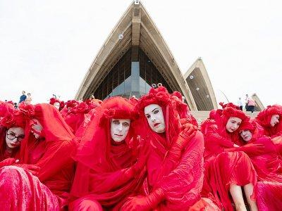 Des militants écologistes du groupe The Red Rebels participent à une manifestation pourle climat, le 15 décembre 2019 à Sydney    Wendell TEODORO [AFP/Archives]