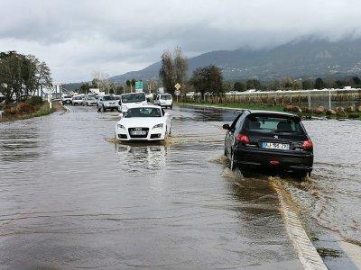 Une route inondée à Ajaccio, le 21 décembre 2019 dans le sud de la Corse    PASCAL POCHARD-CASABIANCA [AFP]