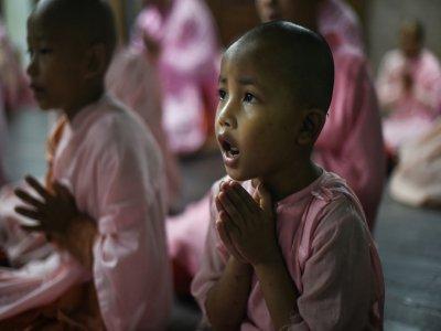 Un moment de prière au couvent de Mingalar Thaikti, le 19 octobre 2019    Ye Aung THU [AFP]