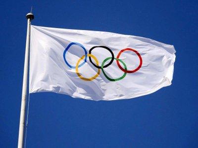 Le drapeau olympique ne flottera pas sur Tokyo en 2020, comme prévu. Illustration