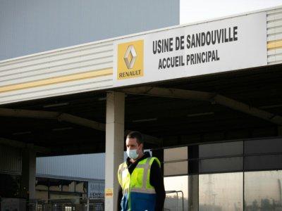 L'usine Renault de Sandouville produit notamment le Trafic. Elle va rouvrir ses portes vendredi 22 mai.    LOU BENOIST [AFP/Archives]