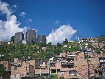 Diana Moreno fait construire des bibliothèques publiques dans les favelas de Colombie pour faciliter l'accès à la culture pour tous. - Diana Moreno