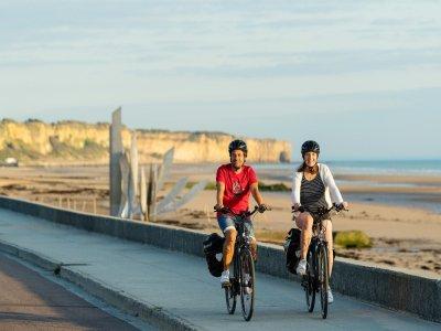 Une nouvelle piste cyclable de 5km va être aménagée à Port-en-Bessin dans le Calvados.    Emmanuel Berthier