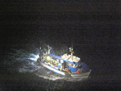 Leblessé a été hélitreuillé vers 4h30 du matin lundi 19 octobre et transporté vers l'hôpital Jacques-Monod du Havre.    Marine nationale