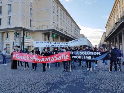 Environ 250 personnes ont défilé rue de Paris, au Havre, vendredi 23 octobre.