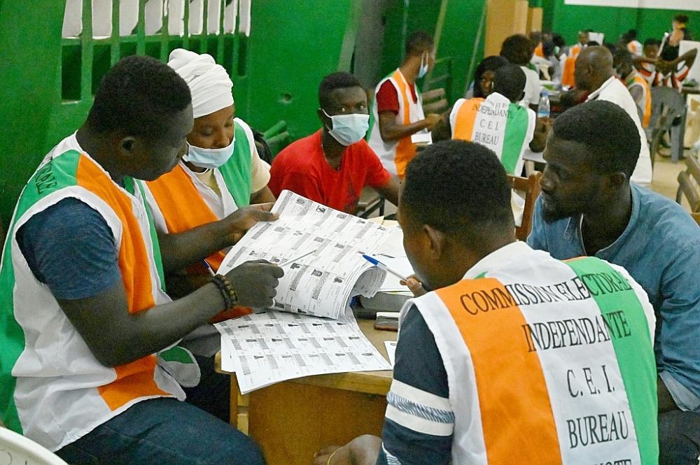 Côte d'Ivoire: tension dans l'attente des résultats de la présidentielle
