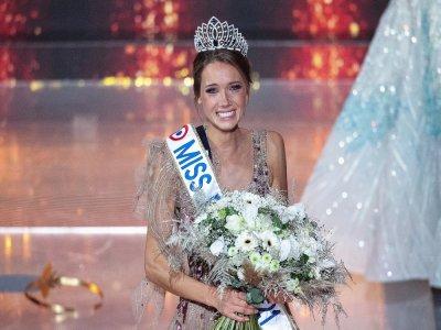 Le 19 décembre, Amandine Petit est devenue Miss France 2021 au Puy-du-Fou.    AFP