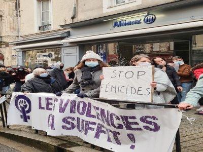 Une mobilisation contre les violences faites aux femmes.