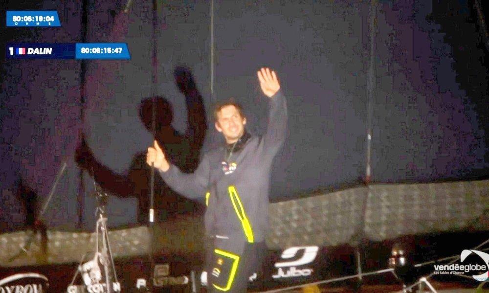 Vendée Globe : Yannick Bestaven vainqueur à l'issue d'une nuit de folie