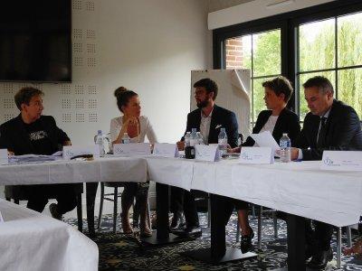 Les membres du jury ont beaucoup débattu au moment de choisir les 16 heureuses élues.    Guillaume Lemoine