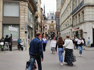 Après la levée des restrictions sanitaires, l'Euro 2021 est une aubainepour les commerçants du centre-ville.