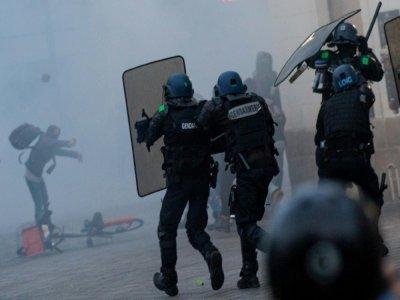 Affrontement entre manifestants et forces de l'ordre lors du deuxième anniversaire de la mort de Steve Maia Caniço, à Nantes, pendant la Fête de la musique 2019 - LOIC VENANCE [AFP/Archives]