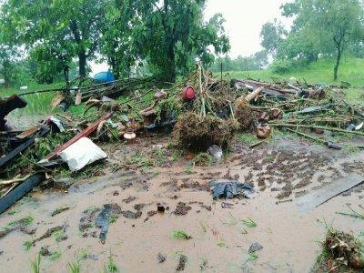 Des maisons ont été entièrement détruites par un glissement de terrain dans le village de Taliye, dans le district de Raigad - - [NDRF/AFP]