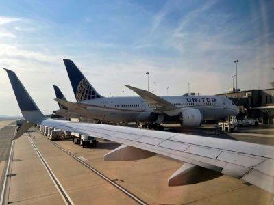 Un Boeing 787-8 Dreamliner de la compagnie United Airlines à l'aéroport de Dulles à Washington, le 12 mars 2021    Daniel SLIM [AFP/Archives]