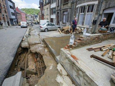 La ville belge de Dinant, le 25 juillet 2021, au lendemain de fortes pluies.    NICOLAS MAETERLINCK [BELGA/AFP]