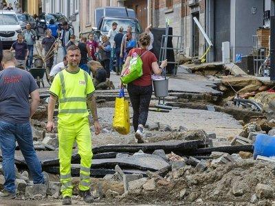 Dinant, en Belgique, au lendemain de fortes pluies, le 25 juillet 2021.    NICOLAS MAETERLINCK [BELGA/AFP]