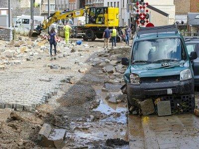 La ville belge de Dinant, le 25 juillet 2021, après de fortes pluies la veille.    NICOLAS MAETERLINCK [BELGA/AFP]