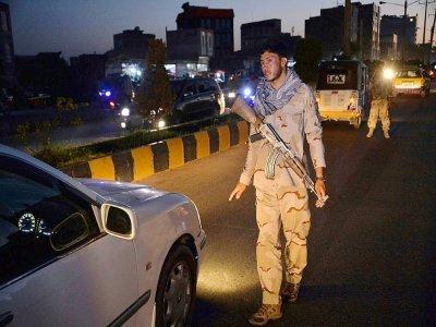 Un membre des forces afghanes de sécurité à un point de contrôle à Hérat, dans l'Ouest de l'Afghanistan, le 24 juillet 2021    HOSHANG HASHIMI [AFP]