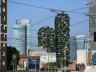 Le Bosco Verticale à Milan, le 2 juin 2021    MIGUEL MEDINA [AFP]