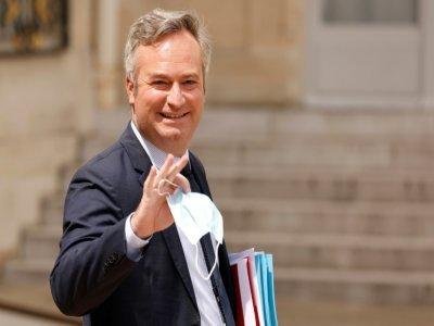 Le secrétaire d'Etat français chargé du Tourisme, Jean-Baptiste Lemoyne, à la sortie du palais de l'Elysée, à Paris, le 7 juillet 2021    Ludovic MARIN [AFP/Archives]