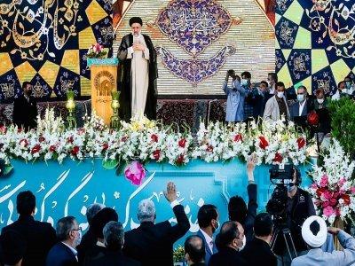 Le président élu de l'Iran, Ebrahim Raïssi, prononce un discours au sanctuaire de l'Imam Reza dans la ville de Mashhad, dans le nord-est de l'Iran, le 22 juin 2021    Mohsen Esmaeilzadeh [ISNA NEWS AGENCY/AFP]