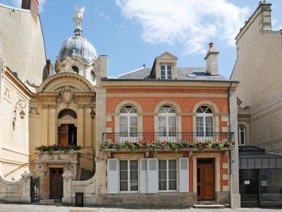 La maison appartient au diocèse de Séez et a été restaurée en 2008.    Sanctuaire d'Alençon