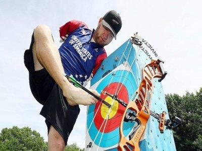 L'archer paralympique Matt Stutzman s'entraîne à Fairfield dans l'Iowa, le 14 juillet 2020    JAMIE SQUIRE [GETTY IMAGES NORTH AMERICA/AFP/Archives]