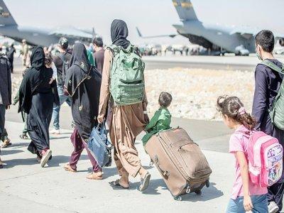 Photographie fournie par l'US Marine Corps le 24 août 2021 montrant une opération d'évacuation à l'aéroport de Kaboul    Samuel RUIZ [US MARINE CORPS/AFP]