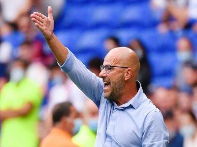 L'entraîneur néerlandais de Lyon, Peter Bosz, lors du match de Ligue 1 à domicile contre Clermont, le 22 août 2021 au Groupama Stadium à Décines-Charpieu    PHILIPPE DESMAZES [AFP/Archives]