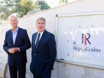 Le candidat à la présidentielle Michel Barnier (à gauche) et le maire de La Baule Franck Louvrier, à La Baule où les Républicains de Loire-Atlantique tenaient leur rentrée le 28 août 2021    Sebastien SALOM-GOMIS [AFP]