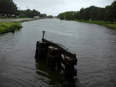 L'eau commence à monter dans le bayou de Montegut, en Louisiane, avant l'arrivée de l'ouragan Ida le 29 août 2021    Mark Felix [AFP]