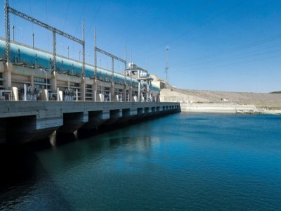 Des générateurs du barrage Tichrine, le long du fleuve Euphrate, le 24 juillet 2021 dans le nord de la Syrie    Delil SOULEIMAN [AFP]