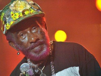"""Lee """"Scratch"""" Perry, gourou du reggae, est mort à 85 ans    Attila KISBENEDEK [AFP/Archives]"""