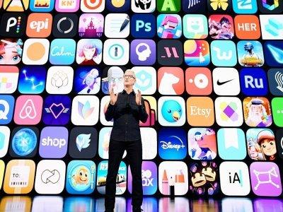 Photo du patron d'Apple Tim Cook, fournie par le groupe le 7 juin 2021, lors de l'Apple Worldwide Developers Conference à Cupertino, en Californie    Brooks Kraft [Apple Inc./AFP/Archives]