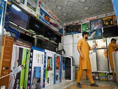 Un comerçant dans sa boutique d'électroménager, le 2 septembre 2021 à Kaboul    Aamir QURESHI [AFP]