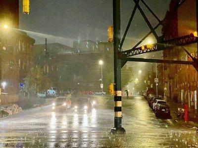 Pluie violente et inondations au passage des restes de l'ouragan Ida, le 1er septembre 2021 à New York    David Dee Delgado [Getty/AFP]