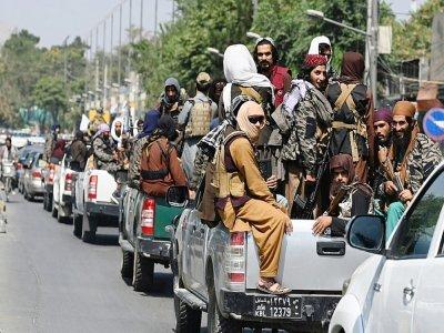 Un convoi de combattants talibans patrouille dans les rues de Kaboul, le 2 septembre 2021    Aamir QURESHI [AFP]