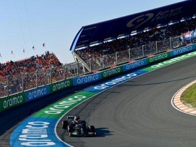 Lewis Hamilton au volant de sa Mercedes lors des essais qualificatifs du GP des Pays-Bas sur le circuit de Zandvoort, le 4 septembre 2021    ANDREJ ISAKOVIC [AFP]