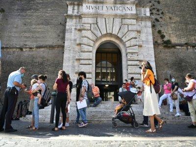A l'entrée des musées du Vatican, à Rome, le 6 août 2021    Andreas SOLARO [AFP/Archives]