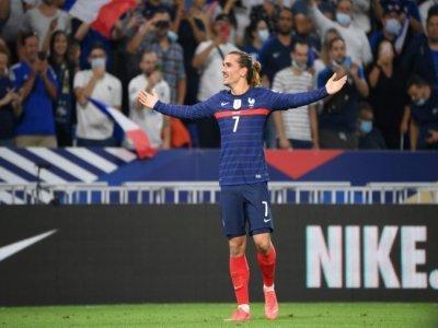 La joie de l'attaquant français Antoine Griezmann, après avoir marqué son 2e but face à la Finlande, lors des qualifications pour le Mondial-2022 au Qatar, le 7 septembre 2021 au Groupama Stadium à Décines-Charpieu, près de Lyon    FRANCK FIFE [AFP]
