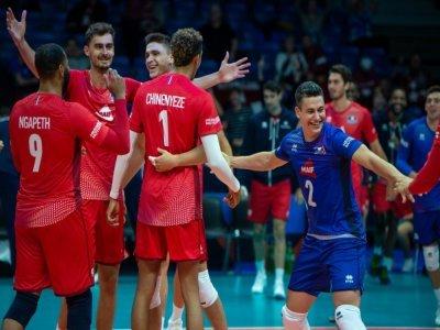 La joie des volleyeurs français après leur victoire face à l'Allemagne, le 6 septembre 2021, lors de l'Euro-2021 à Tallinn    RAIGO PAJULA [AFP]