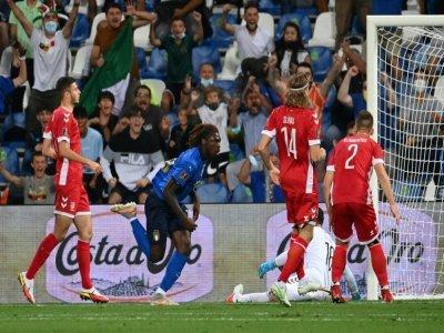 La joie de l'attaquant italien Moise Kean, après avoir ouvert le score contre la Lituanie, lors des qualifications européennes pour le Mondial-2022 au Qatar, le 8 septembre 2021 à Reggio Emilie    Vincenzo PINTO [AFP]