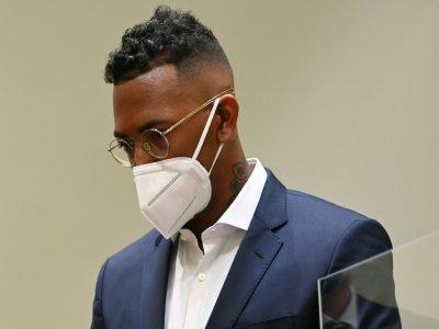 Jerome Boateng dans le box des accusés lors de son procès pour violences conjugales devant le tribunal de Munich, le 9 septembre 2021    CHRISTOF STACHE [AFP]