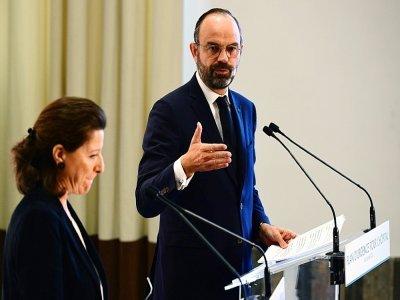 Agnès Buzyn et Edouard Philippe le 20 novembre 2019 lors d'une conférence de presse à Paris sur les moyens des hôpitaux    Martin BUREAU [AFP/Archives]