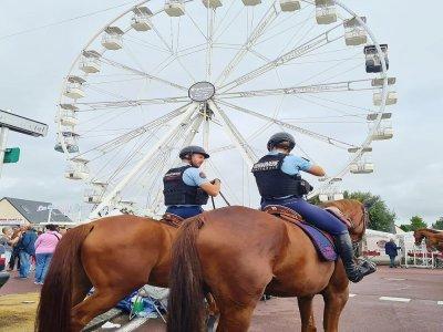 La garde républicaine à cheval fait partie du dispositif de sécurité sur le site.