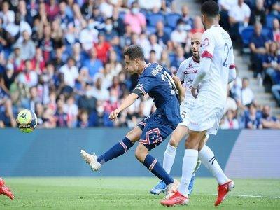 Le milieu de terrain du Paris Saint-Germain, l'Espagnol Ander Herrera, marque son 2e but face à Clermont, lors de leur match de Ligue 1, le 11 septembre 2021 au Parc des Princes    FRANCK FIFE [AFP]