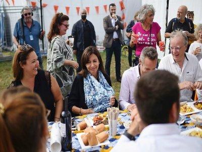 La maire de Paris Anne Hidalgo (C) le 11 septembre 2021 à la Fête de l'Huma à La Courneuve, près de Paris    Lucas BARIOULET [AFP]