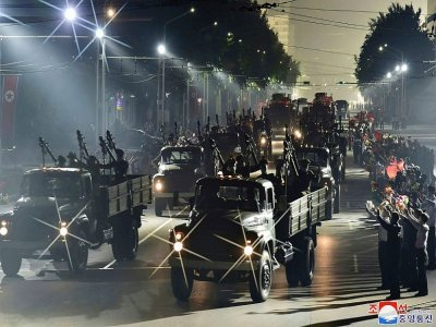 Une photo de l'agence nord-coréenne KCNA montre la parade militaire du 9 septembre 2021    STR [KCNA VIA KNS/AFP]