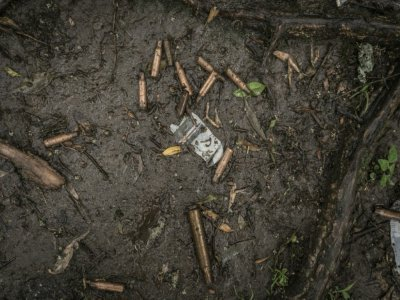 Des douilles abandonnées près d'un charnier à Chenna le 14 septembre 2021    Amanuel Sileshi [AFP]